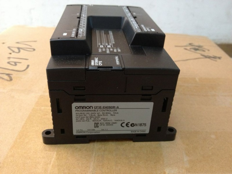 欧姆龙PLC CP1E-E40SDR-A  全新原装