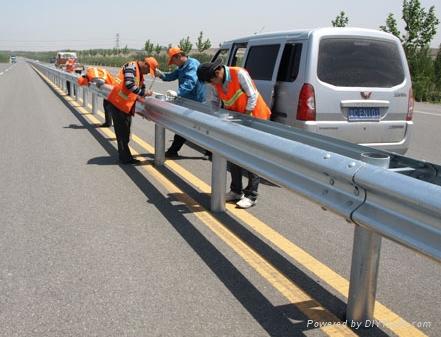 浙江省高速波形护栏板多少钱一米?厂家报价,欢迎来电咨询。