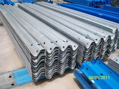 北京市高速护栏板 公路护栏板 波形护栏板厂家供应