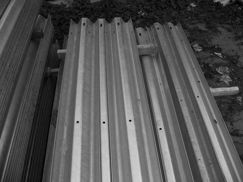 北京波形护栏|高速公路护栏|护栏板价格18875718634