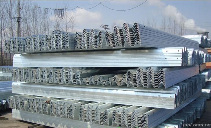 河北护栏板_护栏板价格_波形护栏板_高速公路护栏板厂家