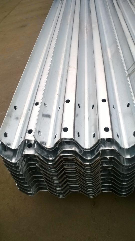 山西省运城市波形护栏|高速公路护栏|护栏板价格-护栏板厂家。